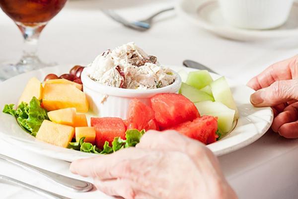 Senior Living at Park Manor Dining